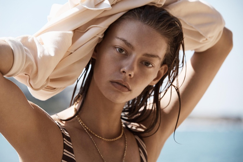 Ondria Hardin Hits the Beach for ELLE Mexico